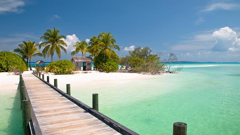 bahamas-beach-shutterstock_89815750-800x450px